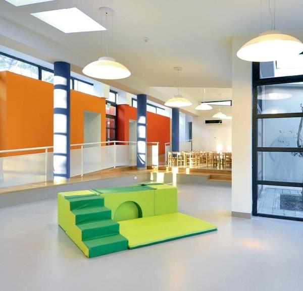 equipación guarderías, material montessori, mobiliario blando, material escolar infantil.