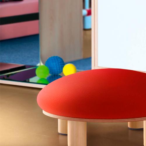 SMARTIPOUF, mobiliario de acogida, taburete, silla infantil, material escolar infantil.