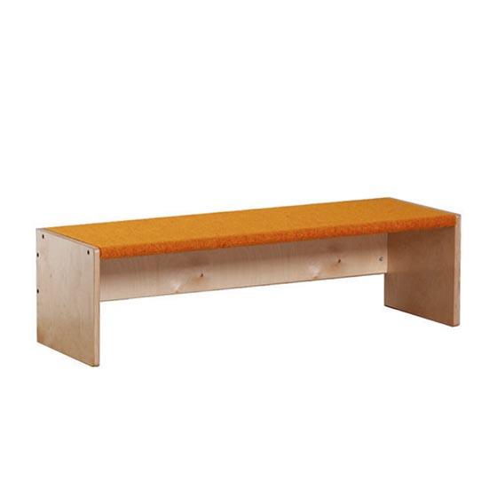 Banco de madera con tretford equipamiento escolar infantil for Banco 0081
