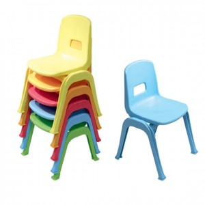 Silla de plástico de colores para niños. Mobiliario para escuela infantil. Jardín de infancia. GC0000430