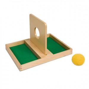 Mesa con bola de tejido, GM308N000, material montessori, material 0-3 años, material escolar infantil.