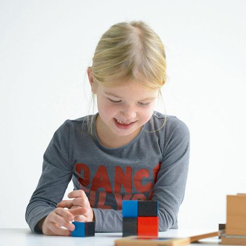 Cubo de binomio, material montessori, matemáticas, material escolar infantil.